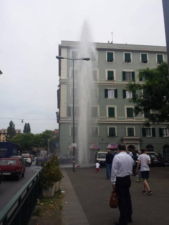 idrante piazza manzoni