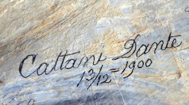 Nomi sulla roccia