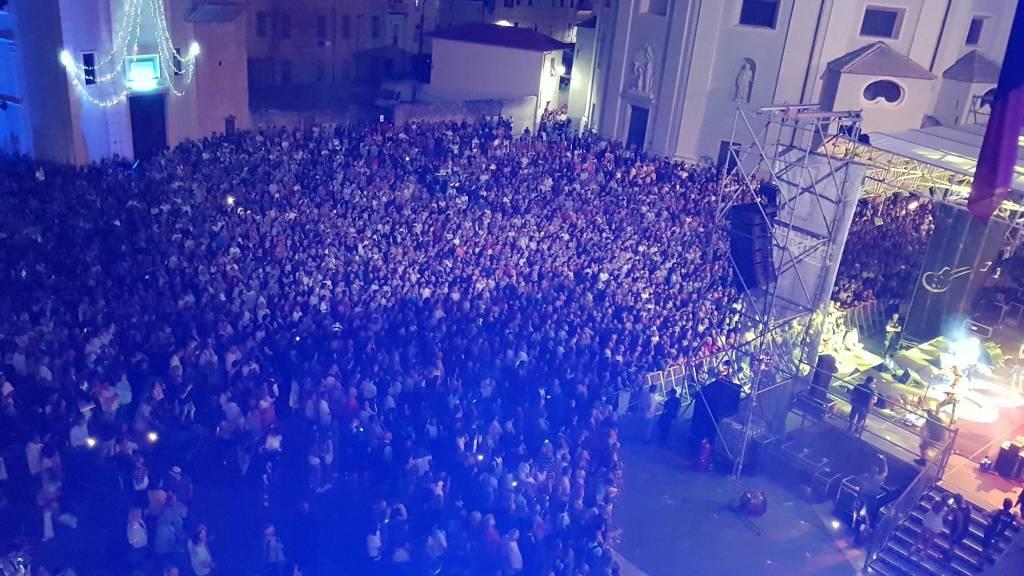 Notte in Bianco a Loano: il concerto di Edoardo Bennato