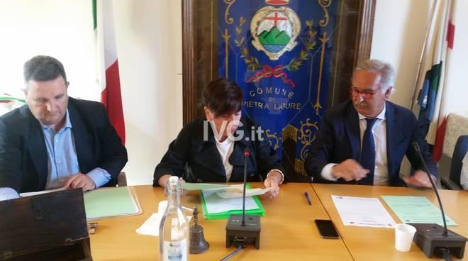"""Pietra Ligure, il primo consiglio comunale del De Vincenzi """"ter"""""""