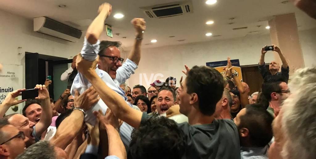 Riccardo Tomatis festa elezioni