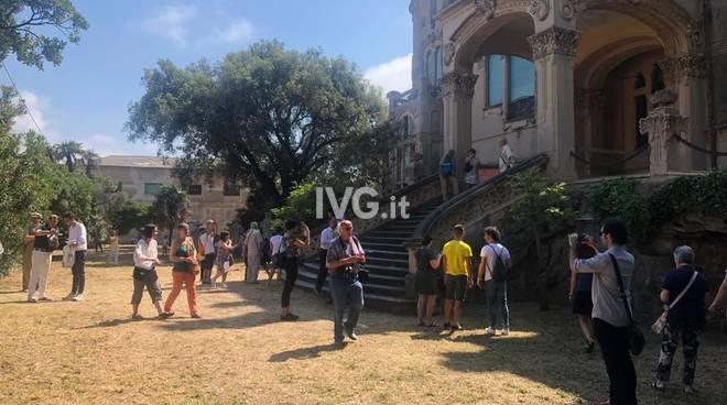 Savona, proteste per ritardi e disguidi alla visita guidata a Villa Zanelli