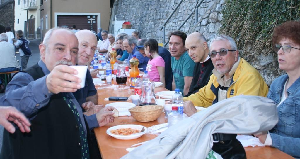 vecersio Castelvecchio rocca barbena festa patronale
