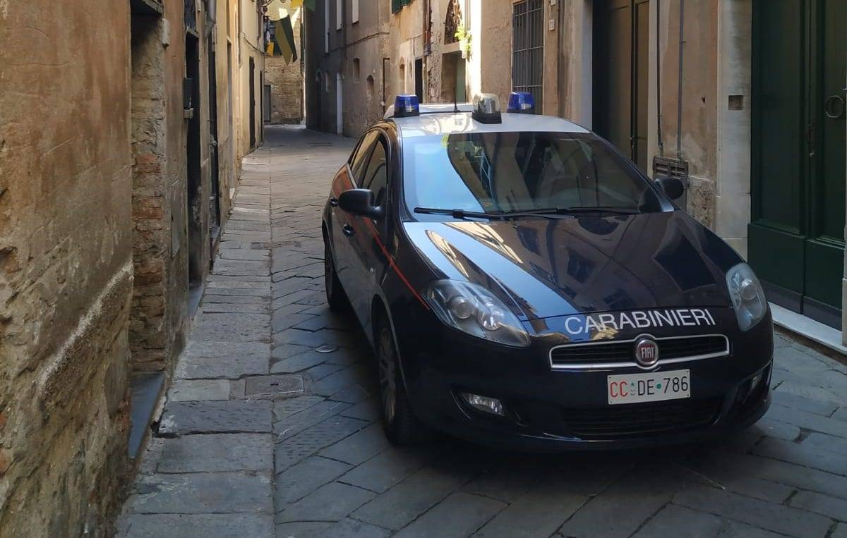 carabinieri albenga via roma