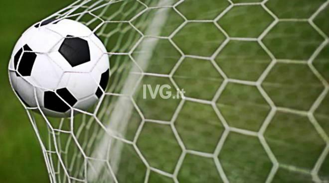 Il calcio non va mai in vacanza! Lo sport rosa italiano sta appassionando un paese intero.