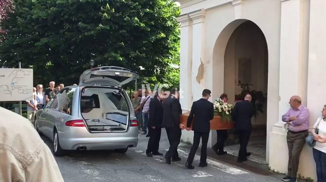 Il funerale di Deborah Ballesio