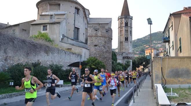 La Borgo by Night Running