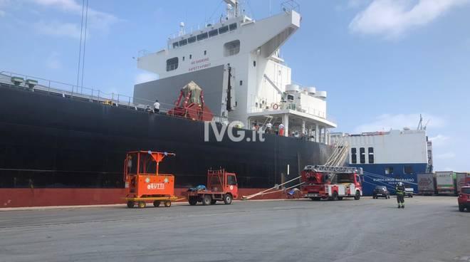 nave Ilektra Porto Savona decesso