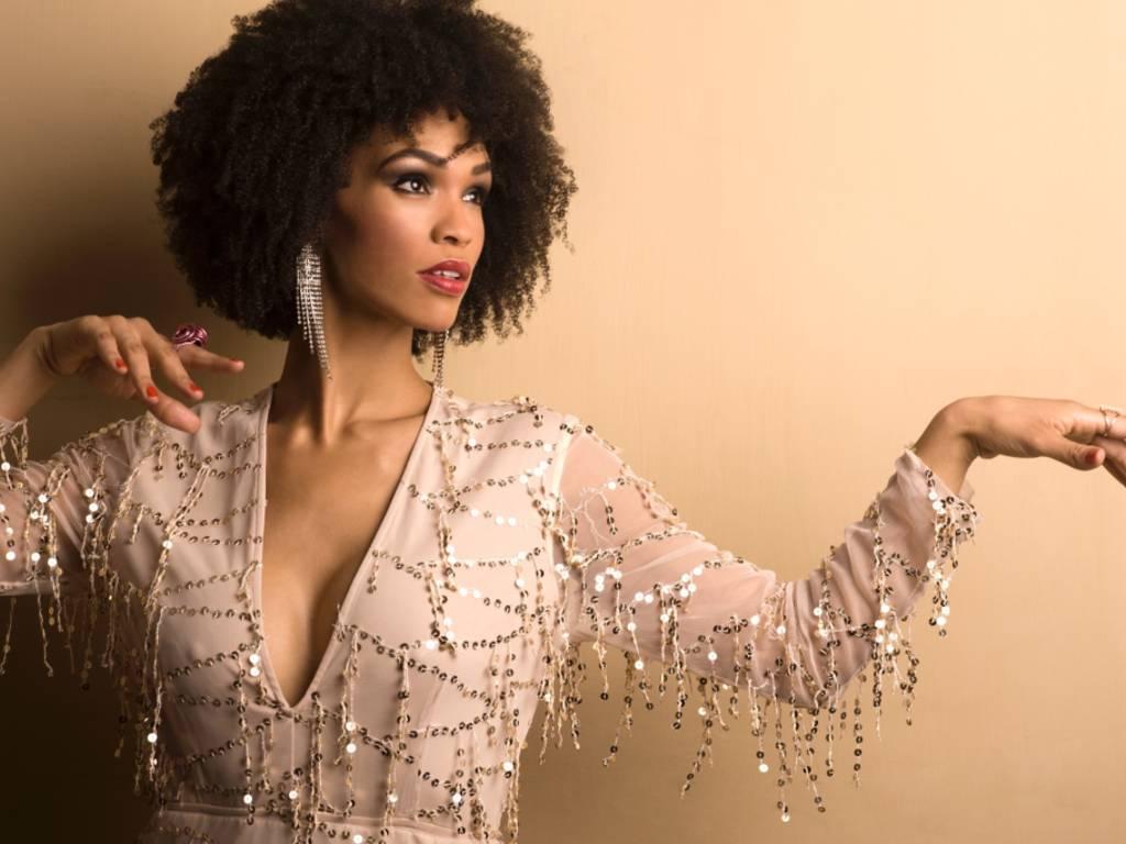 Nicole Magolie cantante