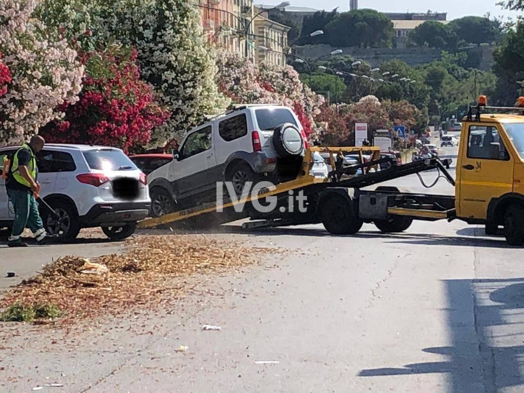 Savona, nessuno sposta le auto e Caprioglio scrive ai cittadini