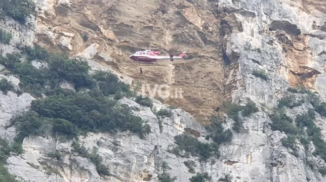 soccorso elicottero rocciatrice