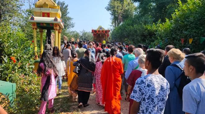 Ad Altare per la festa di Ganesha Chaturthi