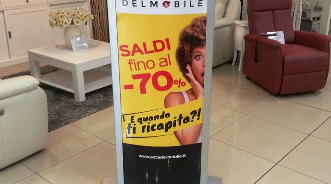 Divani E Divani Albenga.Saldi All Asta Del Mobile Sconti Fino Al 70 Tante Occasioni Per