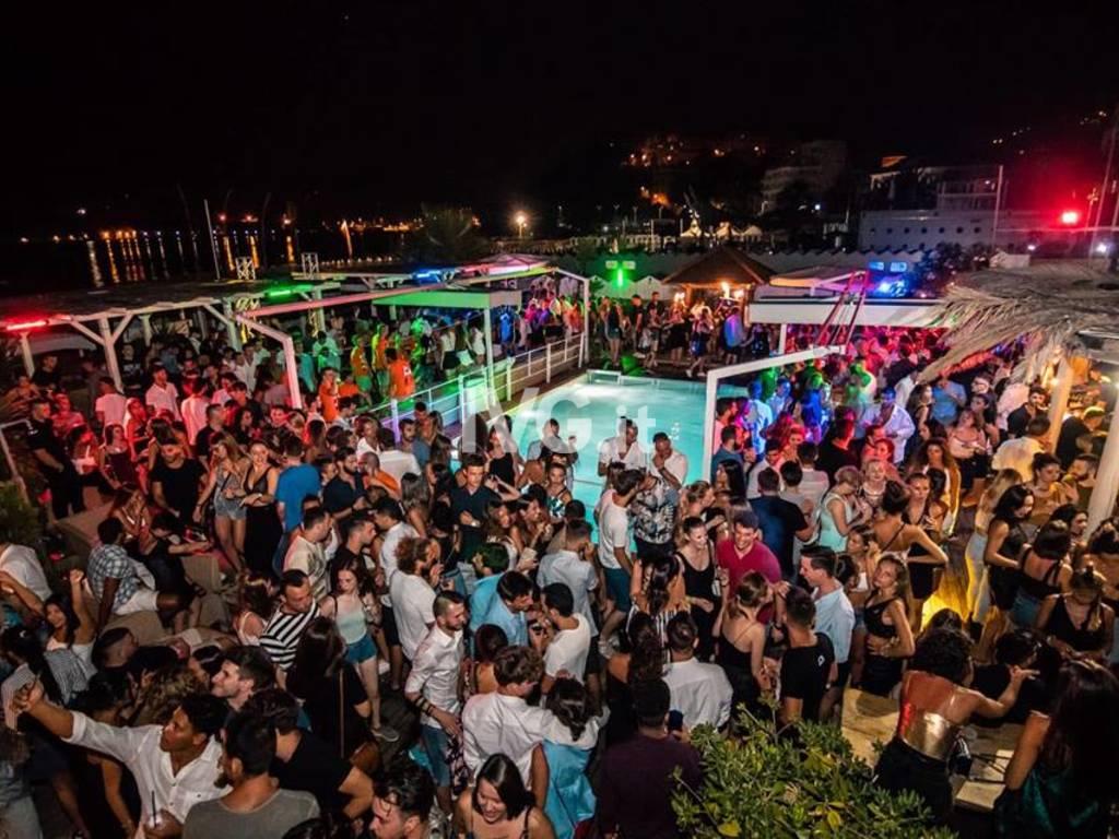 """Soleluna Village, evento \""""Cocoon\"""", dj Marco Ooki,vox Mattia Salva, cena sul mare, discoteca a bordo piscina, omaggio donna entro 01.00"""