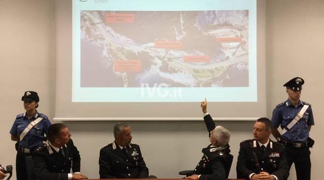 Colpito in faccia da cassonetto: la conferenza dei carabinieri