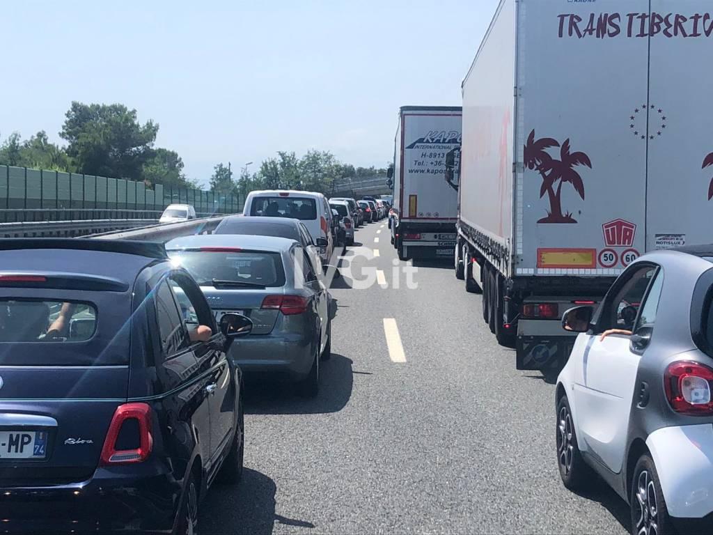 Maxi tamponamento in A10 tra Varazze e Celle