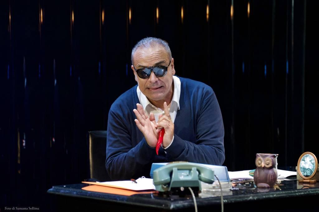 """""""Non è vero ma ci credo"""" commedia Enzo Decaro Borgio Verezzi"""