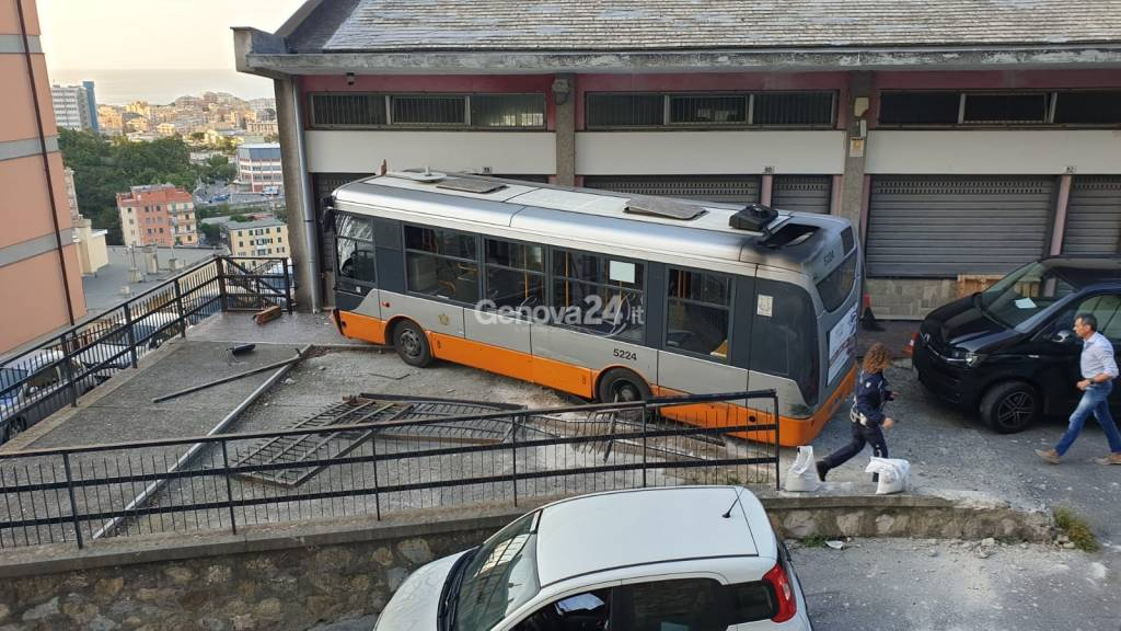 bus senza freni, incidente
