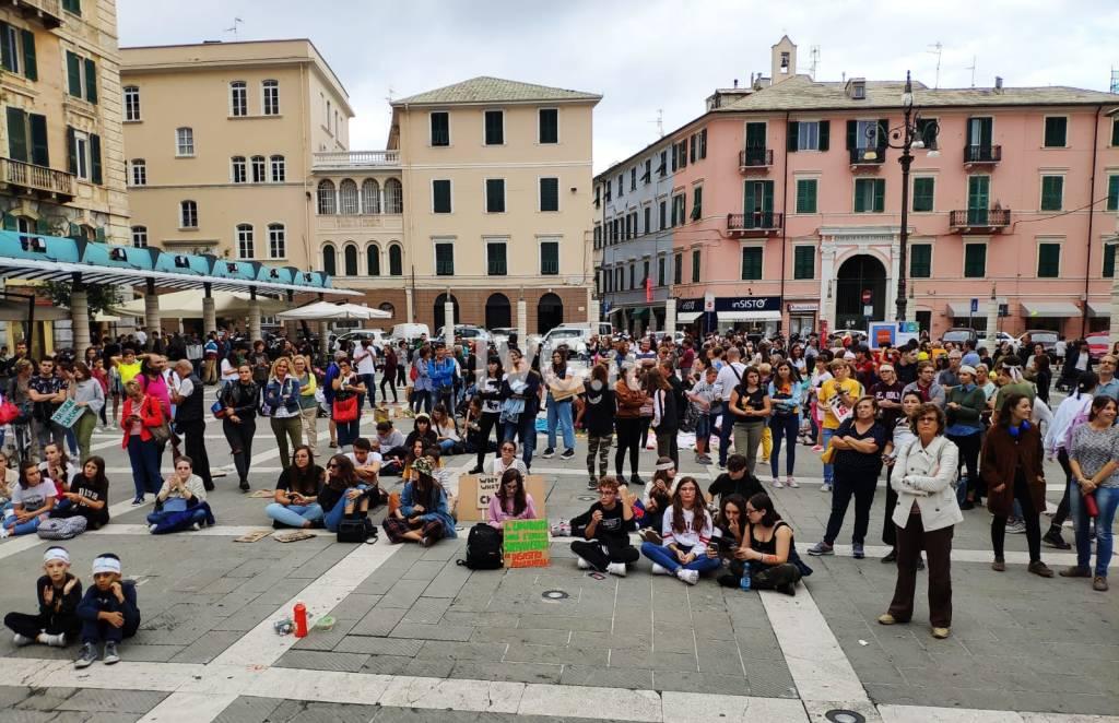 Fridays for Future, la marcia per il clima a Savona