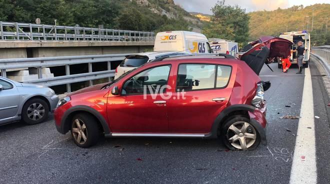 Maxi tamponamento in autostrada