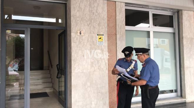 suicidio albenga carabinieri