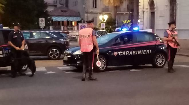 Blitz dei carabinieri di Alassio sui bus di Tpl Linea