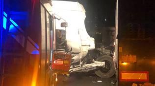 Camion incidente notte a10
