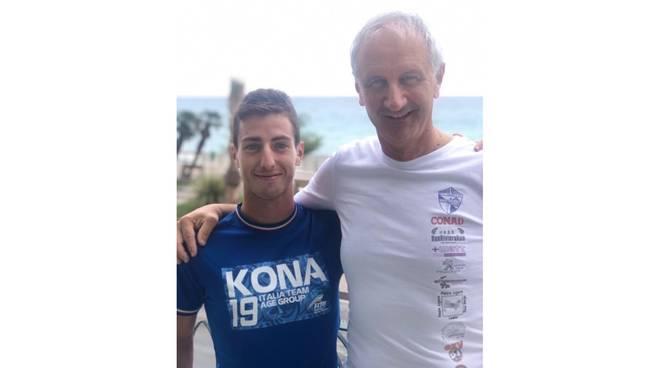 Ivan Cappelli con il presidente dell'Asd RunRivieraRun Luciano Costa