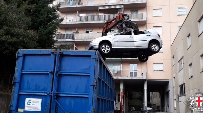 Polizia locale relitti auto