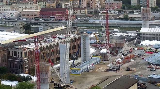 Primo pezzo nuovo ponte varo