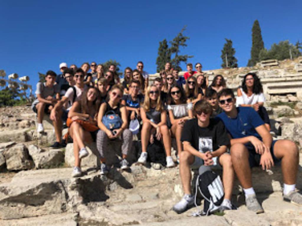 Savona, gli studenti di quinta ginnasio del liceo classico Chiabrera in visita ad Atene