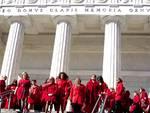 #100donnevestitedirosso flashmob