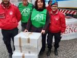Albenga, i City Angels in campo i bambini: raccolti giocatolli e vestiti