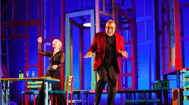 """""""Alle cinque da me"""" spettacolo Gaia De Laurentiis e Ugo Dighero Cairo Montenotte"""
