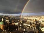 arcobaleno e temporale a genova