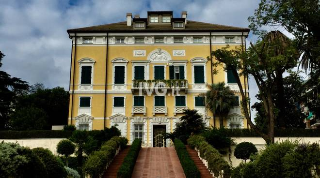 Villa Rosenda De Mari e il centro storico di Albissola Marina con il FAI