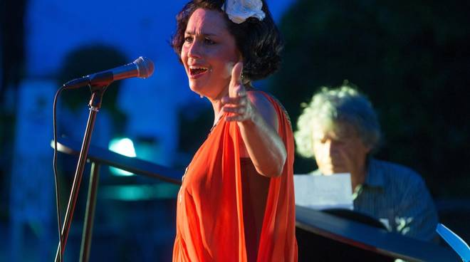 "Villa Pagoda, al via \""November Jazz\"" con il Nando De Luca Trio e Ramona Wess"