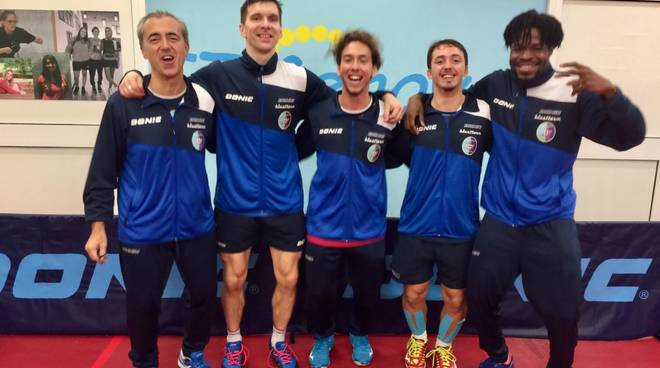 da sinistra il tecnico Alessandro Quaglia, Mikhail Paikov, Enrico e Andrea Puppo e Olajide Omotayo