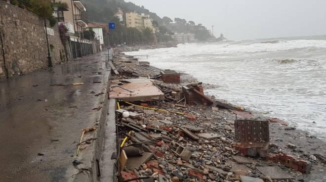 Alassio danni maltempo spiaggia