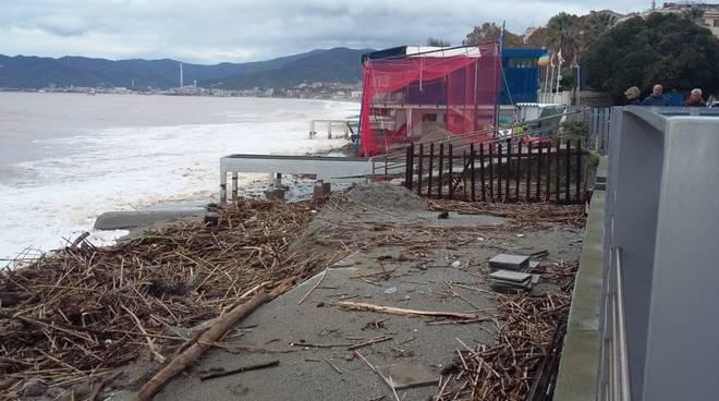 Savona danni Maltempo Spiaggia