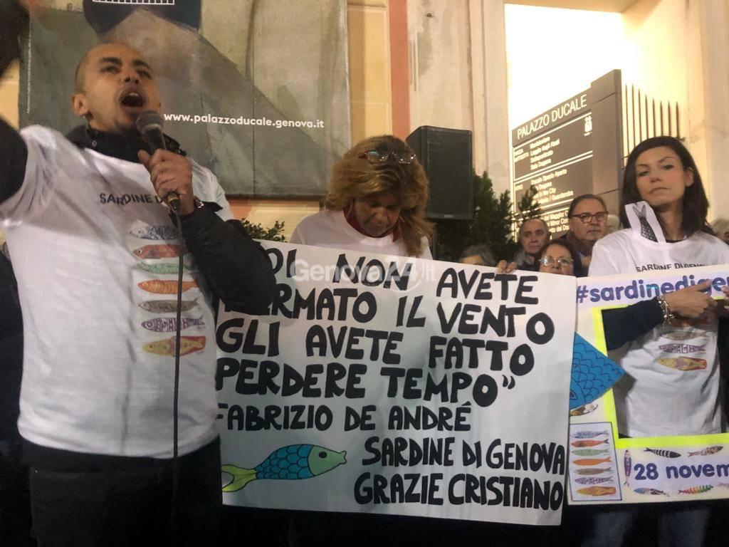 Sardine in piazza a Genova