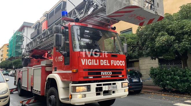 Vigili del fuoco vvff Savona giorno autoscala