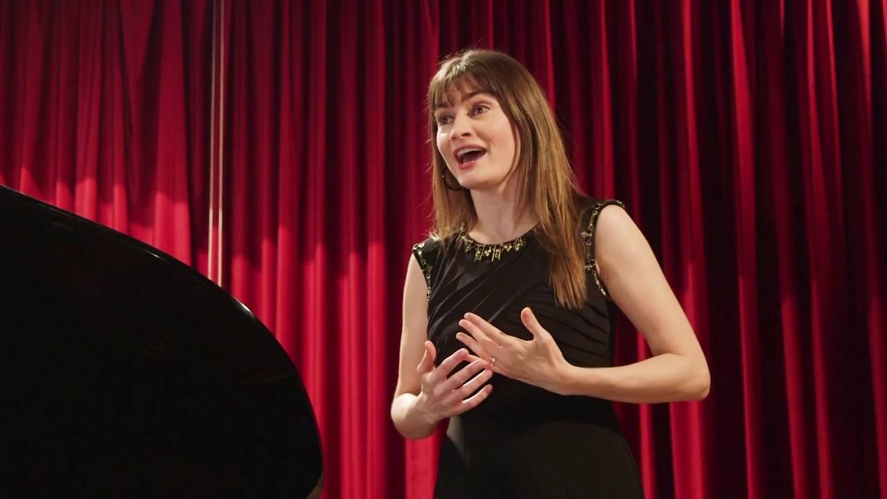 Yuliya Vyshnyvetska soprano