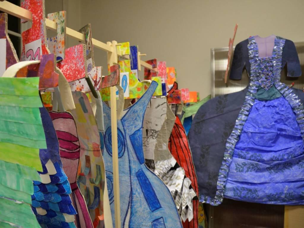 Via Cairoli si colora con l\'evento di Fondazione Cepim Dress Up Dolls e Quadri in Viaggio