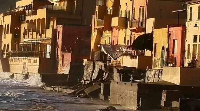 crollo tettoia e muro varigotti