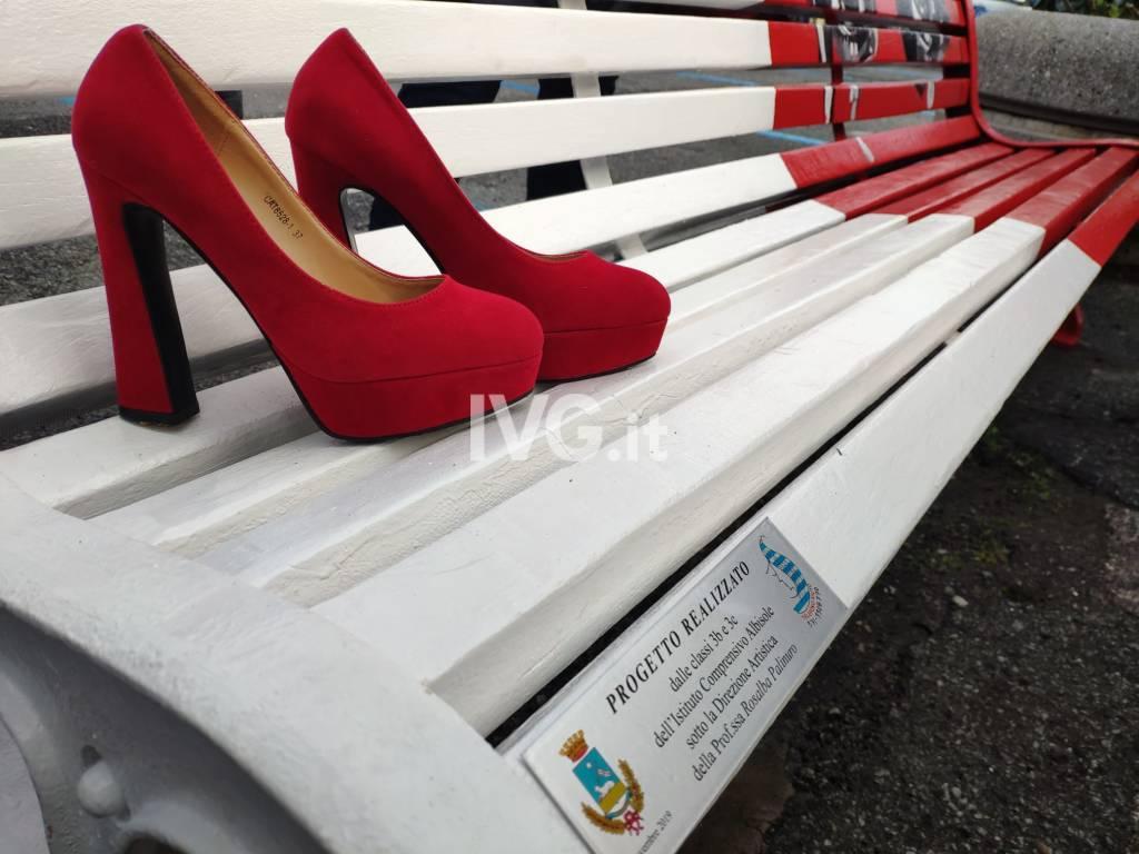 albisola sparite le scarpe rosse dalla panchina contro la violenza sulle donne ivg it albisola sparite le scarpe rosse dalla