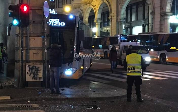Incidente Bus via xx settembre
