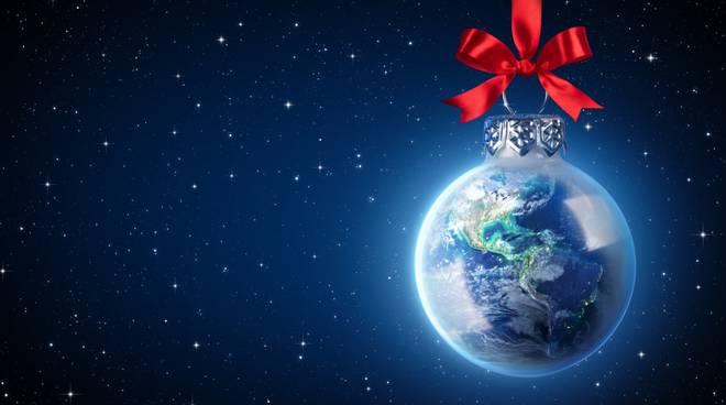 Palla di Natale con il mondo