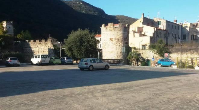 parcheggio finalborgo