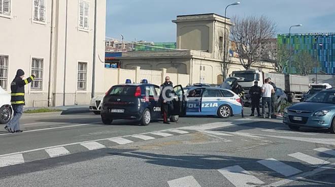 polizia stradale carabinieri via stalingrado savona